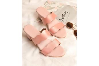 Elegant detail pink strap heel