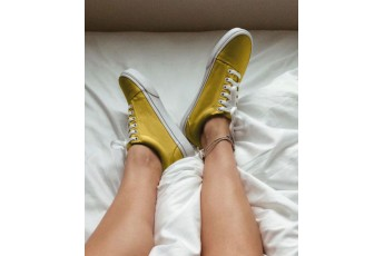 Classic country mustard sneakers