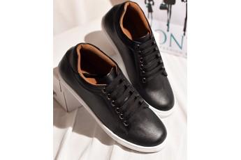Classic Gentleman black sneakers