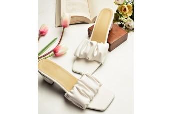 White tulips heels