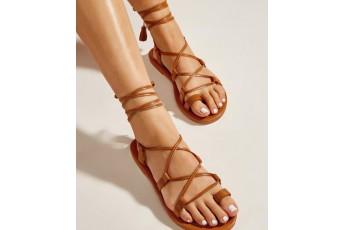 Criss - cross strap flats brown