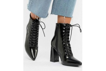 Diamonds are better pointed boots
