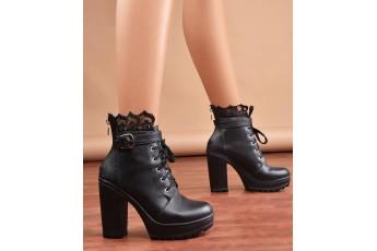 Princess Polly chic black boots